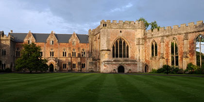 The-Bishops-Palace-Wells