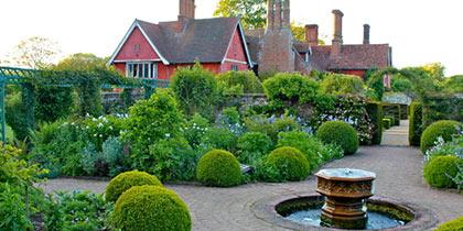 Wyken-Hall-Gardens-Bury-St-Edmunds