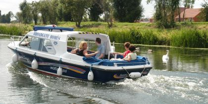 Spalding Water Taxi. Spalding
